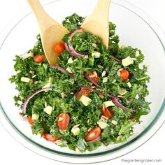 Are you ready to*crave* kale? I know how that sounds and you probably have your doubts, but take one bite of this magical marinated sal...