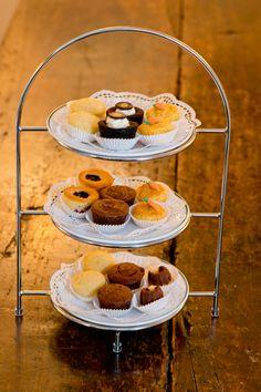 KLASSISCHER SÜSSER NACHMITTAG -Selbstgemachte Blechkuchen und Cookies aus der eigenen Patisserie