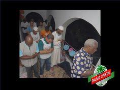 CERVEZA PALMA CRISTAL TE DICE ¿Qué otra religión además de la santería y el catolicismo se practica en Cuba? Aunque parezca extraño en Cuba también se practica el islamismo, los cubanos, con pocas posibilidades de poder viajar a la Meca y sin tener una mezquita para hacer sus rezos, suman aproximadamente unos 4000 convertidos. www.cervezasdecuba.com