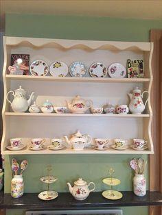 China teacups teapot display Wall Curio Cabinet, Tea Cup Display, China Display, Teapot, Bookshelves, Tea Party, Tea Cups, Shabby, Bohol