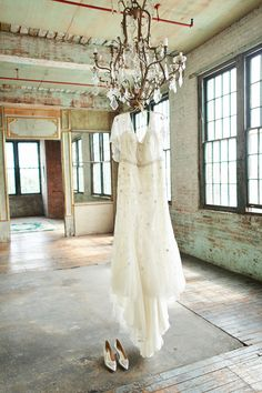 Rustic Vintage Wedding :: Wedding Dress