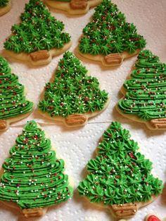Webmail :: 🎄 18 Christmas sugar cookies Pins you might like Christmas Tree Cookies, Iced Cookies, Christmas Sweets, Holiday Cookies, Holiday Desserts, Holiday Baking, Christmas Baking, Pumpkin Cookies, Buttercream Decorating