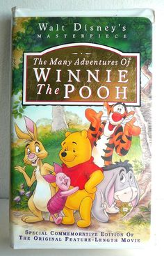 DISNEY Masterpiece Clamshell VHS WINNIE THE POOH Full-length Movie Rare Collect