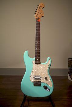 Fender tom delonge MIM sea foam green