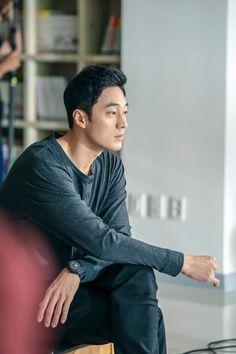 Terius behind me. Korean Drama, Drama Korea, So Ji Sub, Asian Actors, Korean Actors, Jung Ii Woo, Jin, Celebrity Smiles, Oh My Venus