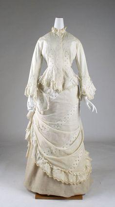 Beautiful 1875 morning dress