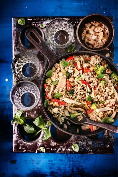 Dinner Tonight, Paella, Vegan, Dishes, Healthy, Ethnic Recipes, Food, Red Peppers, Tablewares