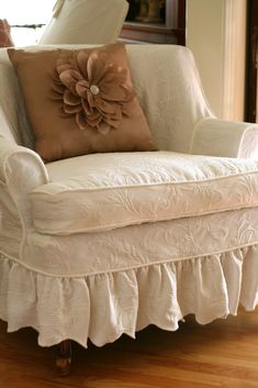 Shabby chic slipcovers ~ sewing project ~ by Shelley: Matelesse Bedspread Slipcover by jacklyn Custom Slipcovers, Furniture Slipcovers, Furniture Makeover, Diy Furniture, Queen Size Bedspread, Couch Covers, Cool House Designs, My New Room, Living Room Chairs