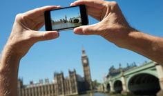 Hands of a tourist hold up a camera taking a photo of Big Ben and. Seattle Washington, Minneapolis, Nashville, San Diego, Big Ben London, One Step, London Photos, Workout, Photo Tips