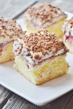 Puchatek - ciasto z kremem Polish Desserts, Polish Recipes, Cookie Desserts, Holiday Desserts, No Bake Desserts, Sweet Recipes, Cake Recipes, Tasty, Yummy Food