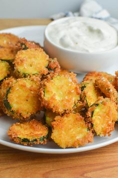 How to Make Fried Zucchini Recipe Zucchini Dinner Recipes, Fried Zucchini Recipes, Zucchini Fries, Broccoli Recipes, Veggie Recipes, How To Fry Zucchini, Fried Zucchini Batter, Yummy Appetizers, Appetizer Recipes