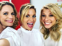 "25.1 mil Me gusta, 128 comentarios - Candace Cameron Bure (@candacecbure) en Instagram: ""There is nothing like the SheWolf Pack in Japan! I ❤️ my girls @andreabarber & @jodiesweetin"""