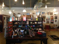 want to do some vintage shopping while in Nashville? This is the PERFECT spot!
