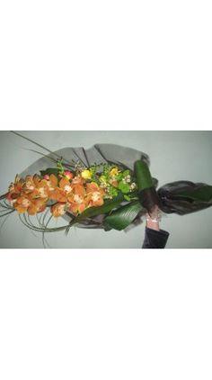 Funeral :: Bouquet :: SKT005 Funeral Bouquet, Flower Art, Seasons, Flowers, Color, Floral, Colour, Seasons Of The Year, Royal Icing Flowers