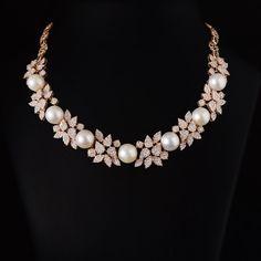 Diamond Initial Necklace, Pearl And Diamond Necklace, Stylish Jewelry, Luxury Jewelry, Fashion Jewelry, Gold Jewellery Design, Diamond Jewellery, Indian Jewelry Sets, Colour Stone