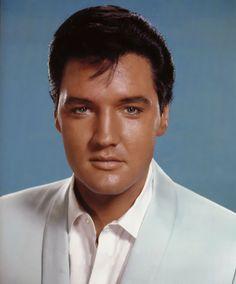 "Elvis Presley 1964 Interview""My Fast Life""- Elvis Information Network Elvis Presley Graceland, Elvis Y Priscilla, Elvis Presley Pictures, Elvis Presley Movies, Karate, Rare Elvis Photos, Nancy Sinatra, Star Wars, Most Handsome Men"