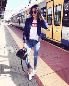 "Gefällt 773 Mal, 11 Kommentare - zαиєтα🇵🇱 (@jaanetkaa) auf Instagram: ""#today ☀️☀️🚄🚄#bomber#jacket#levis#tshirt#converse#givenchy#bag#miniantigona"""