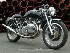 Comparo prestige : Moto-Station essaie la Godet Egli-Vincent 1330