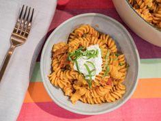 One-Pot Super Easy Fusilli Recipe from Jeff Mauro Food Network Fusilli Recipes, Pasta Recipes, Dinner Recipes, Recipe Pasta, Rice Recipes, Recipe Box, Italian Dishes, Italian Recipes, New Recipes