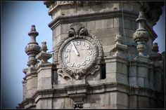 Torre dos Clérigos / Torre de los Clérigos / Tower of the Clerics [2010 - Porto / Oporto - Portugal] #fotografia #fotografias #photography #foto #fotos #photo #photos #local #locais #locals #edificio #cidade #cidades #ciudad #ciudades #city #cities #europa #europe #arquitectura #architecture #historia #historic #baixa #baja #downtown #igreja #igrejas #iglesia #iglesias #arquitectura #architecture #nasoni @Visit Portugal @ePortugal @WeBook Porto @OPORTO COOL @Oporto Lobers