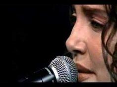 """ANA CAROLINA e SEU JORGE - """"Pra rua me levar"""" Incredible guitar player, composer and female brazilian voice!!!!"""