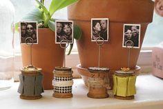 Wooden Spool Photo Holders by livingroomfloor at Studio Calico Wooden Spool Crafts, Wood Spool, Picture Holders, Photo Holders, Coin Couture, Thread Spools, Deco Table, Photo Displays, Room Organization