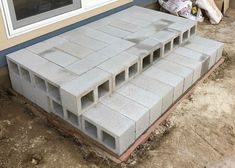 Building temporary stairs with cinderblocks Patio Steps, Front Porch Steps, Brick Steps, Outdoor Steps, Concrete Steps, Garden Steps, Concrete Blocks, Back Patio, Diy Patio