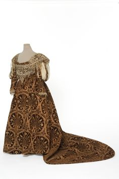 Evening Gown (image 1) | House of Worth | Paris | 1895 | velvet, satin | Les Arts Decoratifs