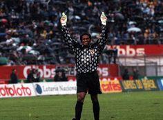 SLB - Neno: de 1985 a 1987 e 1990 a 1995, 133 jogos, 95 golos sofridos, 3 campeonatos e 3 T. Portugal