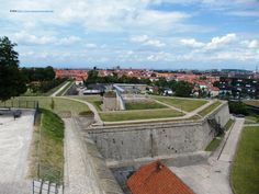 Fortifications and a perspective over the city, at Zitadelle Petersberg