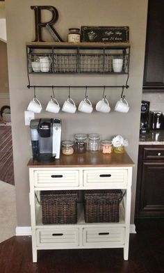 Gorgeous 39 Classy Kitchen Organization Ideas For Rental Apartment. Coffee Bars In Kitchen, Coffee Bar Home, Home Coffee Stations, Coffee Corner, Coffee Nook, Coffee Cake, Easy Home Decor, Home Decor Kitchen, New Kitchen