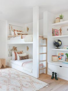 42 Fabulous Game Room Design Ideas To Try In Your Home - design room Bunk Bed Rooms, Bunk Beds Built In, Modern Bunk Beds, Bunk Beds With Stairs, Kids Bunk Beds, House Bunk Bed, Bunk Bed Ladder, Adult Bunk Beds, White Bunk Beds