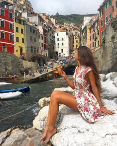 time to Travel To Italy To Italy To Italy amalfi coast To Italy budget To Italy ch. Photography Poses, Travel Photography, Iphone Photography, Italy Outfits, Rome Outfits, Vacation Outfits, Europe Travel Outfits, Europe Outfits Summer, Travel Pictures