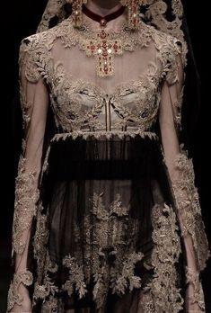Dark Fashion, High Fashion, Fashion Show, Fashion Art, Couture Fashion, Runway Fashion, Mode Outfits, Fashion Outfits, Fashion Moda