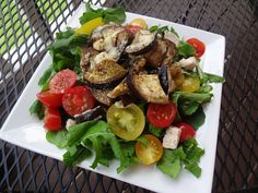 Chicken Arugula Salad with Multi-Colored Cherry Tomatoes. Beautiful ...