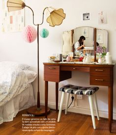As penteadeiras mais charmosas. Veja: http://www.casadevalentina.com.br/blog/materia/penteadeiras-lindas.html #decor #decoracao #casa #home #interior #design #house #details #detalhes #penteadeira #casadevalentina