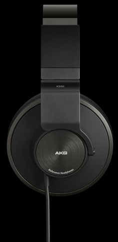 AKG seemingly couldn't make their mind up on what they wanted these headphones to be. A mix of design, but progress nonetheless