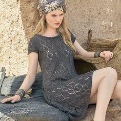 Платье средней длины имеет очень простой фасон, который не отвлекает внимания от регулярного ажурного узора. РАЗМЕР 32/34 (38/40) 44/46 ВАМ ПОТРЕБУЕТСЯ Пряжа (100% хлопка; 125 м/50 г) — 300 (4…