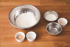 """オーブンいらず!""""作りおき""""で、毎日焼きたてパン生活。冷蔵庫発酵で超簡単、最新パン作りメソッドを伝授します。   主婦の友社 会社情報 Japanese Food, Dog Bowls, Bread Recipes, Baking, Bakken, Japanese Dishes, Bakery Recipes, Backen"""