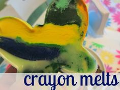 Looking for a Fun Summer Crafts For Kids. We have Fun Summer Crafts For Kids and the other about Emperor Kids it free. Diy Crayons, Melting Crayons, Cool Science Experiments, Science For Kids, Summer Crafts For Kids, Summer Kids, Cool Shapes, Preschool Crafts, Cookies Et Biscuits