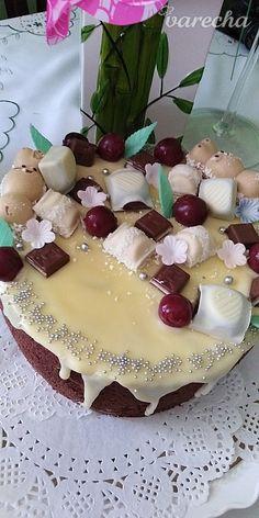 Višňová torta s mascarpone (fotorecept) - recept | Varecha.sk Birthday Cake, Desserts, Food, Basket, Mascarpone, Tailgate Desserts, Deserts, Birthday Cakes, Essen