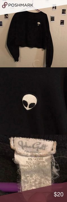 Brandy Melville Sweater Brandy Melville Crewneck cropped sweatshirt! Comes with a small alien patch!  COMES WITH A FREE GIFT! Brandy Melville Sweaters Crew & Scoop Necks