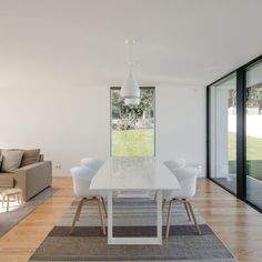 House Touguinhó III is a minimalist residence located in Vila do Conde, Portugal, designed by Raulino Silva Architect Minimalist Interior, Minimalist Home, Kitchen Dinning Room, Dining Rooms, Modern Bungalow House, Portugal, Interior Architecture, Interior Design, Room Interior