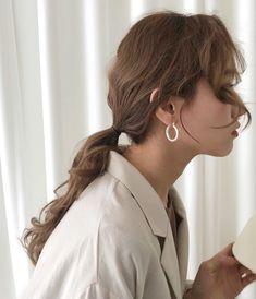 Korean Fashion – How to Dress up Korean Style – Designer Fashion Tips Blonde Hair Korean, Brown Blonde Hair, Black Hair, Brown Aesthetic, Korean Aesthetic, High Ponytails, Messy Hairstyles, Korean Hairstyles, Ulzzang Girl