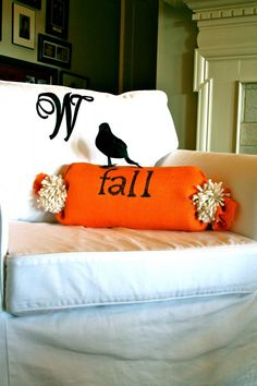 DIY~ No sew fall pillow- Use this concept to make it for any holiday & Diy no sew burlap pillow stenciled with fabric markers | Fabric ... pillowsntoast.com