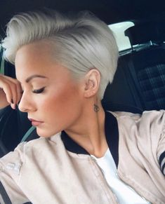 25 Best Short Blonde Pixie Haircut Fashion Ideas in 2018 – Woman Hair Beauty Blonde Pixie Haircut, Pixie Haircut Styles, Short Blonde Pixie, Short Pixie Haircuts, Short Hair Cuts, Blonde Hair, Short Hair Cut For Round Faces, Short Edgy Hairstyles, Platinum Blonde Pixie