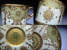 コープランドのジュール打ちと金彩が施された豪華なカップ&ソーサーです。 Tea Culture, China Painting, Tea Cup Saucer, Teacups, Tea Set, Baroque, Tablescapes, Table Settings, Pottery