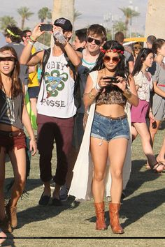 Vanessa Hudgens is the hottest dirty hippie ever.