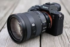 Sony Camera - Great Article With Lots Of Insights About Photography Sony Camera, Camera Gear, Best Camera, Digital Camera, Camera Case, Camera Photography, Video Photography, Nikon, Sony Electronics