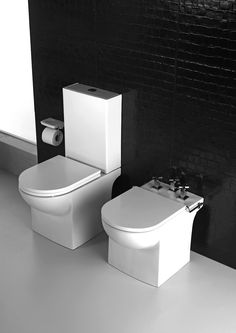 Linea Qubic de Ferrum. Enterate de todas nuestras líneas y productos en www.ferrum.com. Toilet, Bathroom, Products, Washroom, Litter Box, Bathrooms, Flush Toilet, Powder Room, Powder Rooms